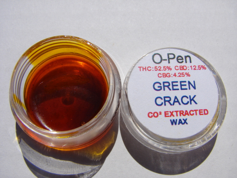 CO2-Green-Crack