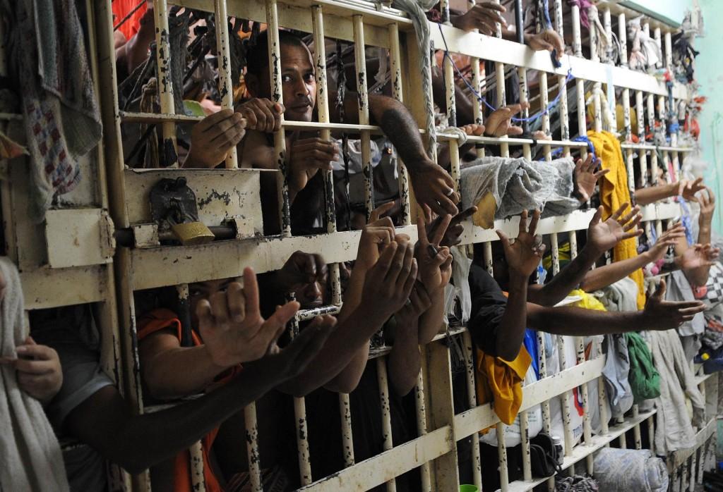 Entidades sugerem propostas legislativas contra o encarceramento em massa