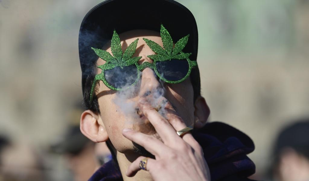 Estudo aponta que descriminalização da maconha não aumenta o uso entre jovens