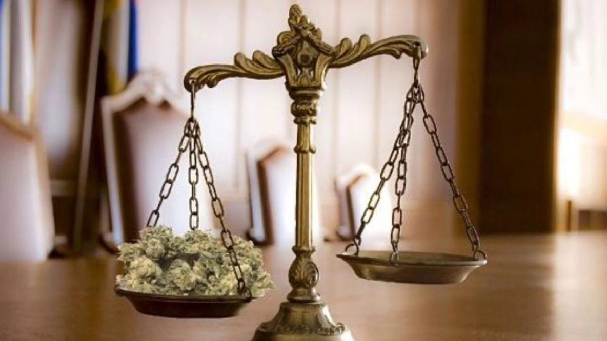 Juíza se antecipa ao Supremo e declara inconstitucional artigo 28 da Lei de Drogas