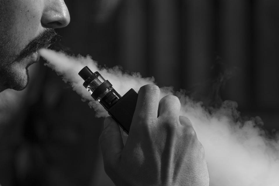 Anvisa aprova duas consultas públicas sobre cigarros eletrônicos
